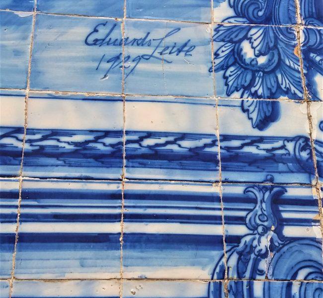 Visit Portugal - azulejos in Porto